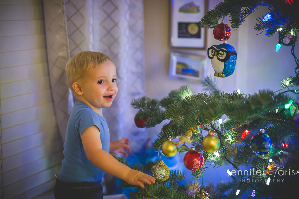 tree-decorating-2013-19